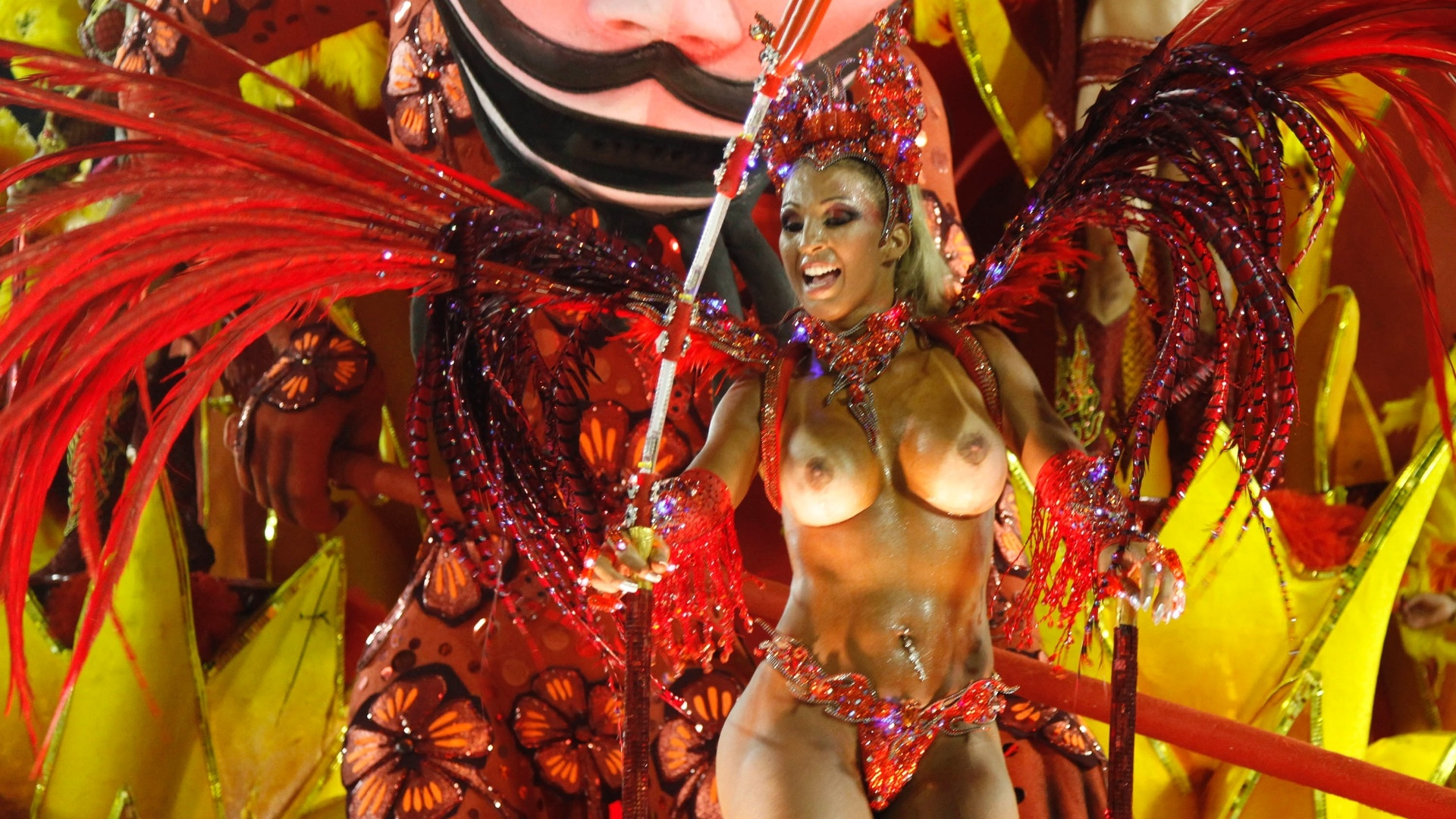 Pode Postar Fotos Dessas Mulheres Nuas No Carnaval