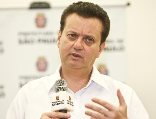 O prefeito de São Paulo, Gilberto Kassab, durante entrevista no Anhembi (22/2/12)