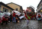 Bloconeco leva Lula e outros personagens para as ruas de Mariana