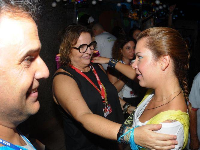 A jornalista Joyce Pascowitch encontra-se com a atriz Fernanda Souza no camarote Expresso 2222 (07/03/2011)