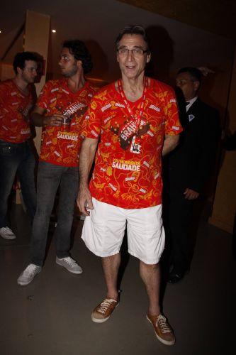 Herson Capri vai a um camarote dos famosos no desfile das campeãs do Carnaval do Rio de Janeiro, no sábado (12/03/2011)