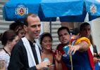 Bloco das Carmelitas percorre o bairro Santa Teresa, no Rio de Janeiro