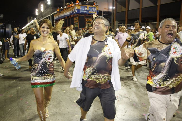 Marcos Paulo e a mulher Antonia Fontenelle participam de ensaio da Grande Rio na Sapucaí (19/2/2011)
