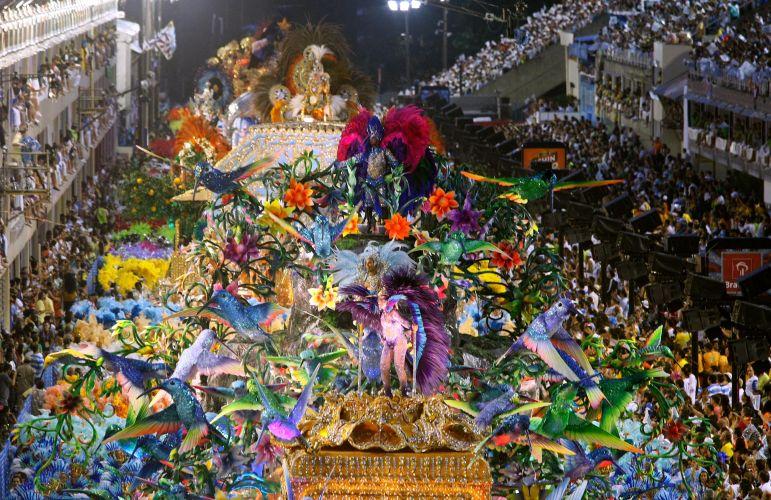 A Beija-Flor apresentou o samba-enredo