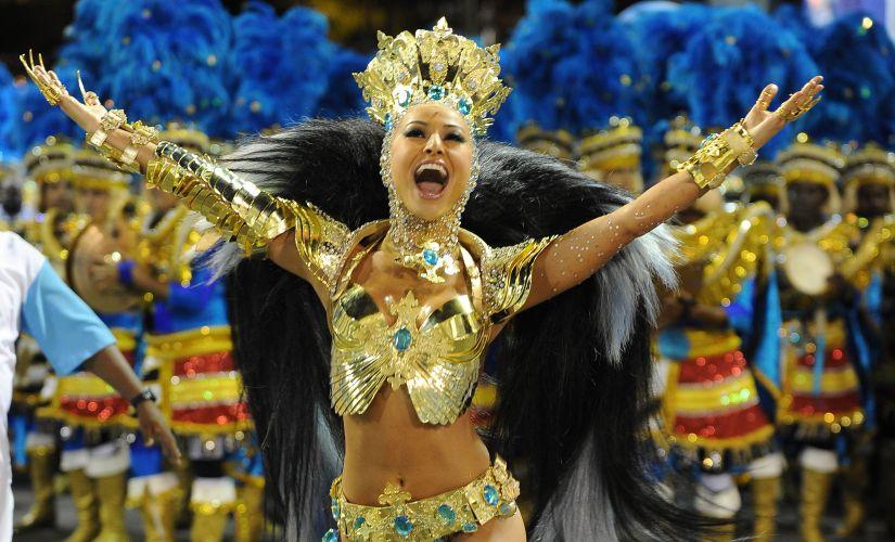 Sabrina Sato, rainha de bateria da Vila Isabel desfila na Marquês de Sapucaí. A apresentadora desfilou em São Paulo pela Gaviões da Fiel (06/03/2011)