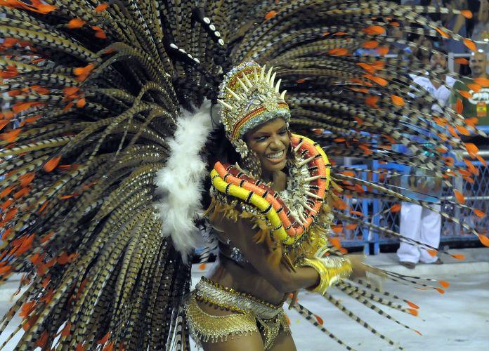 Destaque da escola samba na Sapucaí (06/03/2011)