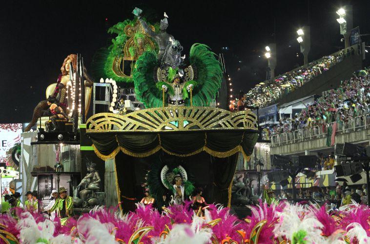 Alegoria da Mangueira, escola que homenageou o compositor Nelson Cavaquinho neste Carnaval (06/03/2011)