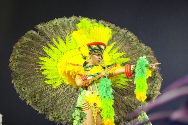 Segunda escola da noite, Tom Maior desfila enredo em homenagem a cidade de São Bernardo (4/3/2011)