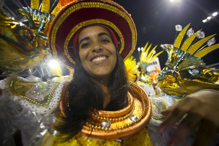 Integrante de ala da Tom Maior desfila no Anhembi enredo em homenagem a São Bernardo do Campo e ao ex-presidente Lula (04/03/2011)
