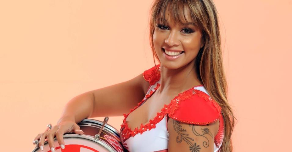 Milena Nogueira, mulher de Diogo Nogueira, escolhida musa do Salgueiro no Carnaval do Rio 2012