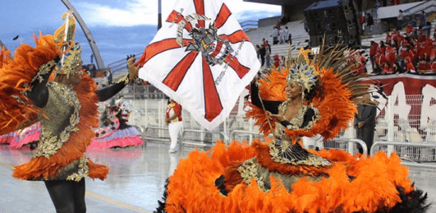 Desfile no Carnaval de 2011 da Dragões da Real, que neste ano contará com um samba-enredo que homenageia as mães