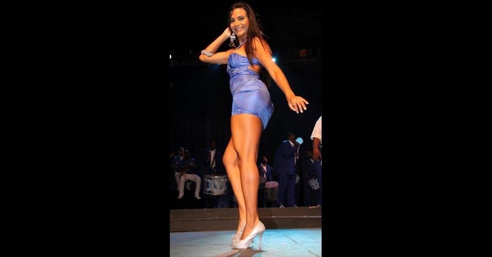 Shayene Cesário se apresentou com a bateria da Portela na Cidade do Samba, Centro do Rio, nesta quinta-feira (12).