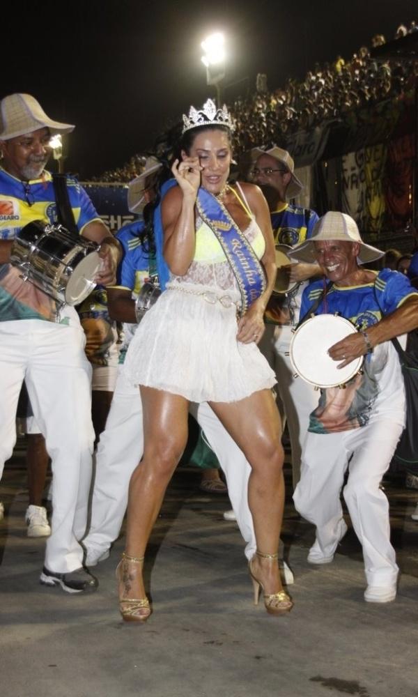Scheila Carvalho participa de ensaio técnico da escola de samba Paraíso do Tuiuti no sábado (14/01/12), no Rio de Janeiro