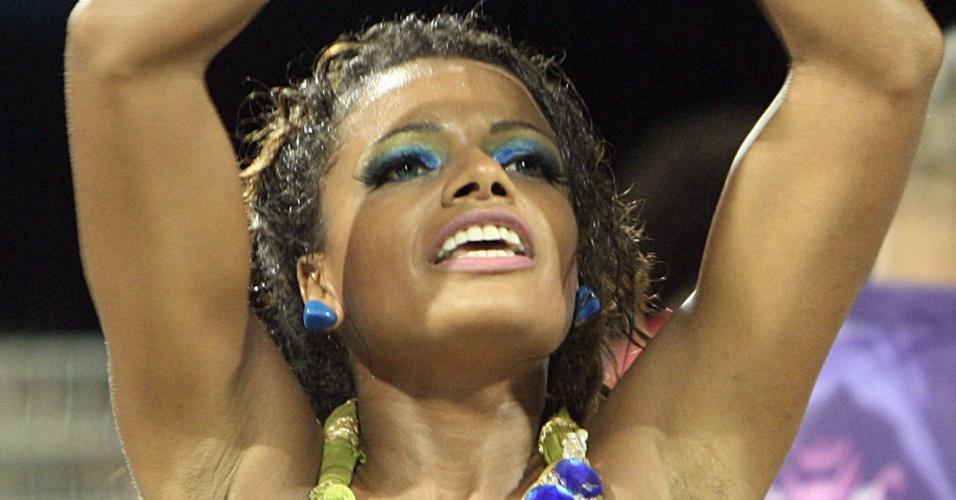 Quitéria Chagas , musa da bateria da Vila Maria, em ensaio técnico no Anhembi (14/1/12)