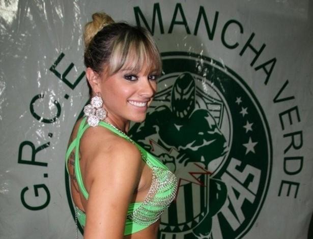Juju Salimeni é musa da Mancha Verde paulistana (21/1/12)
