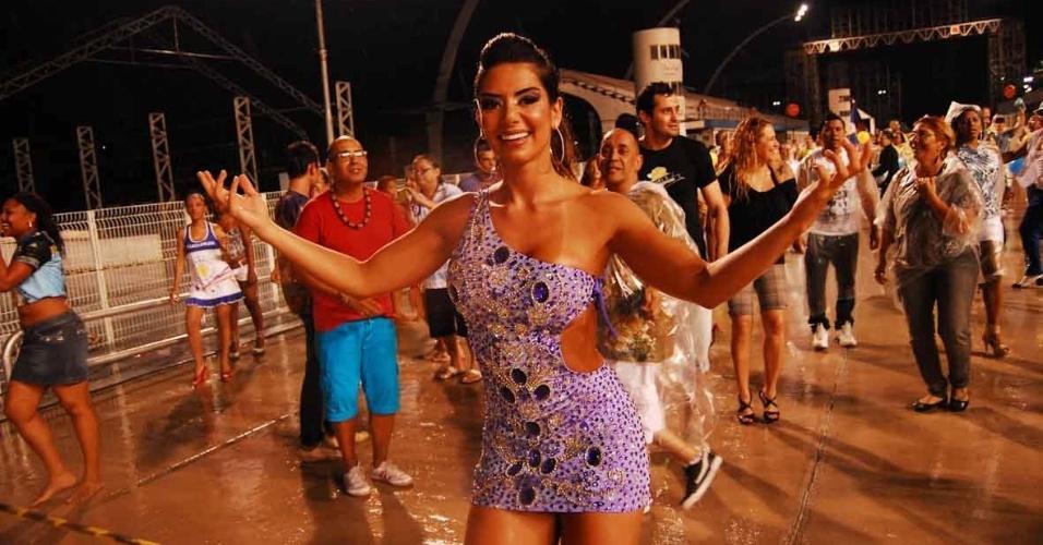 Gracielle Carvalho, vice do Miss Bumbum, participou do ensaio da Acadêmicos do Tucuruvi (22/01/12) no sambódromo do Anhembi