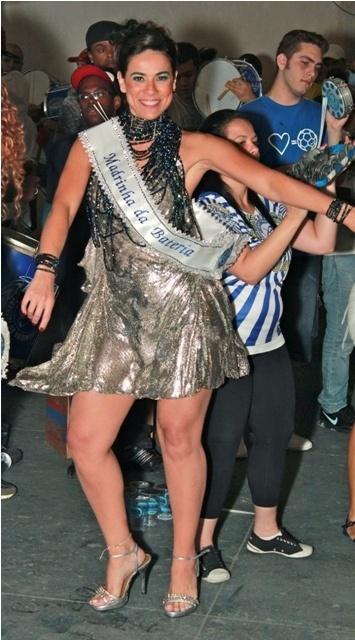 A atriz e apresentadora Adriana Ferrari foi coroada madrinha de bateria da escola de samba Acadêmicos do Tatuapé no sábado (21/01/12), na quadra da escola, que fica zona leste de São Paulo.
