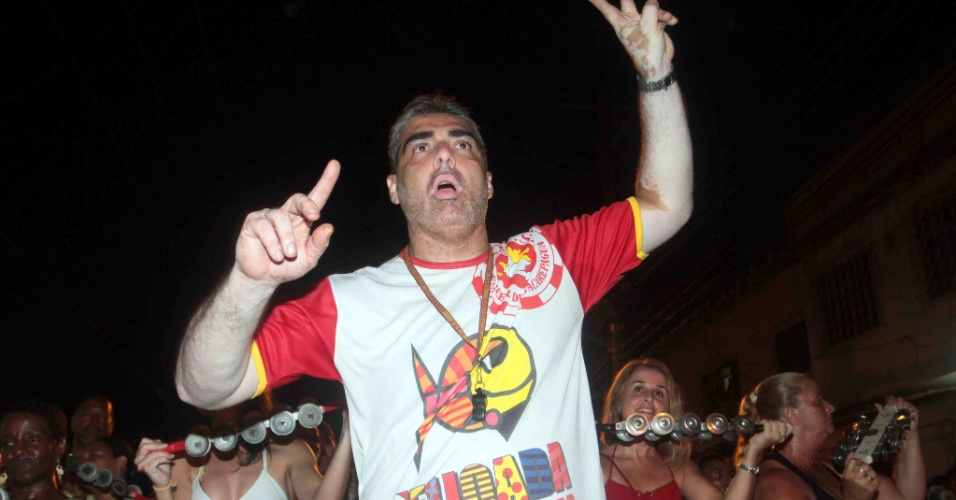 A Renascer de Jacarepaguá promoveu na terça-feira (24/01/12) ensaio de rua no Rio de Janeiro.