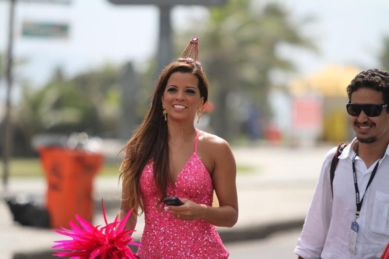Renata Santos, rainha da Mangueira, participa de ensaio fotográfico no Rio de Janeiro (30/01/12)