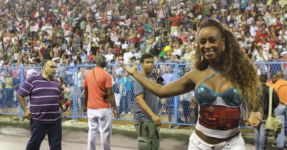 Vânia Love participou de ensaio técnico do Salgueiro neste domingo (28/01/12) na Sapucaí