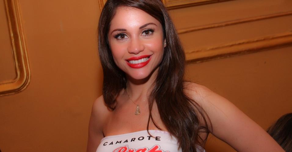 A ex-BBB Maria Melilo compareceu ao Happy Hour pré-Carnaval do Bar Brahma, em São Paulo (01/02/12)
