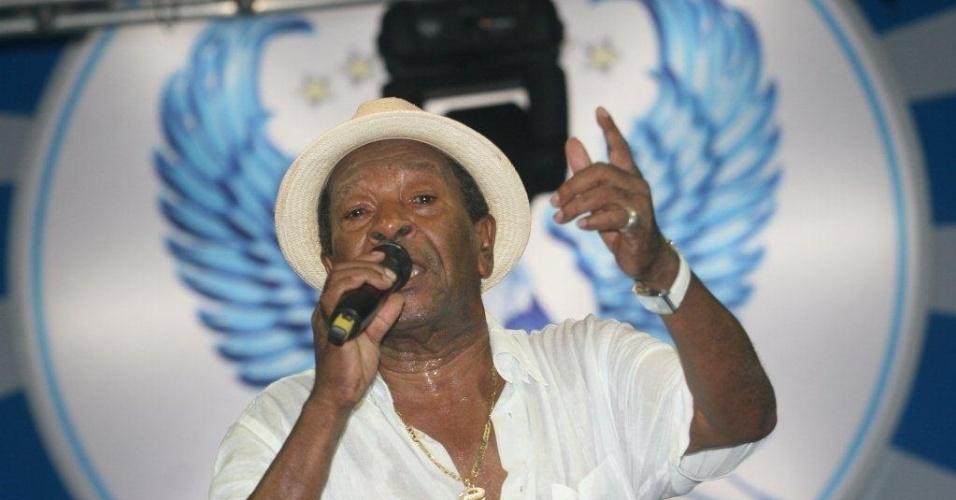Noca da Portela fala para público presente na reinauguração da quadra. Em 2012, Noca irá completar 80 anos de idade e 36 de Portela (4/2/12)