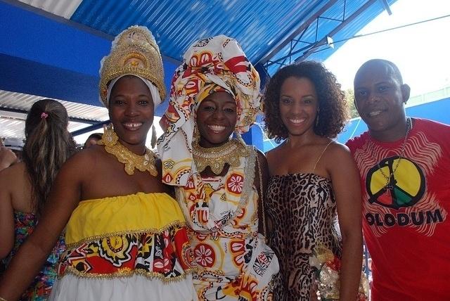 Integrantes do grupo Olodum estiveram presentes na reinauguração da quadra da Portela (04/02/12)
