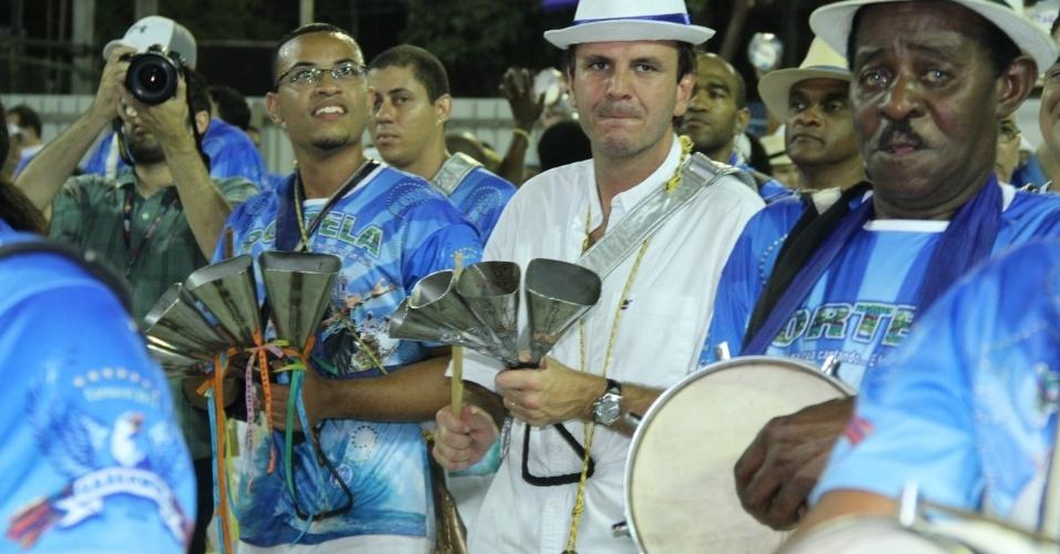 O prefeito do Rio Eduardo Paes participou do ensaio da Portela (11/2/12)