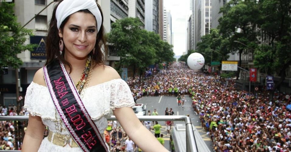 """A atriz Fernanda Paes Leme compareceu ao bloco de Preta Gil que leva o nome da cantora, """"Bloco da Preta"""", nas ruas do Rio de Janeiro (12/2/12)"""