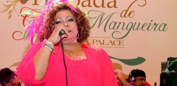 A cantora Alcione participou de feijoada da Mangueira (12/2/12) no Copacabana Palace, no Rio de Janeiro