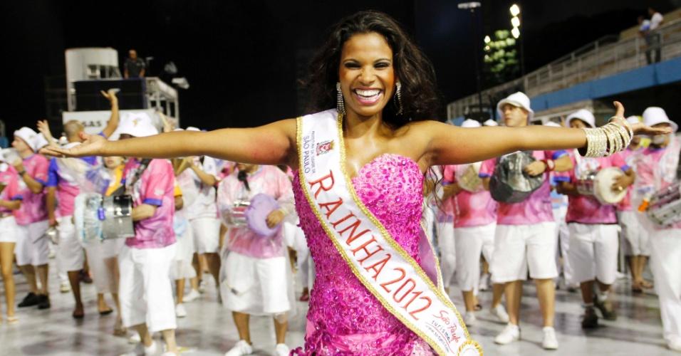 Andreza Aparecida Sobrinho, eleita rainha do Carnaval 2012 de São Paulo, ensaia na Rosas de Ouro no Sambódromo do Anhembi (11/2/12)