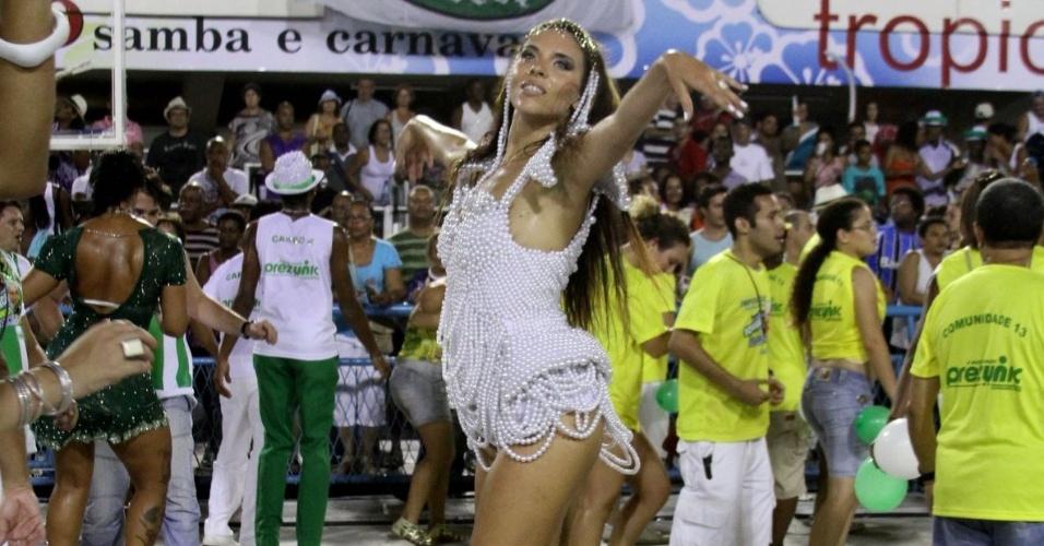 A modelo foi convidada a desfilar na escola pelo cantor Elymar Santos além de ter conquistado a diretoria da Imperatriz para desfilar no Sambódromo
