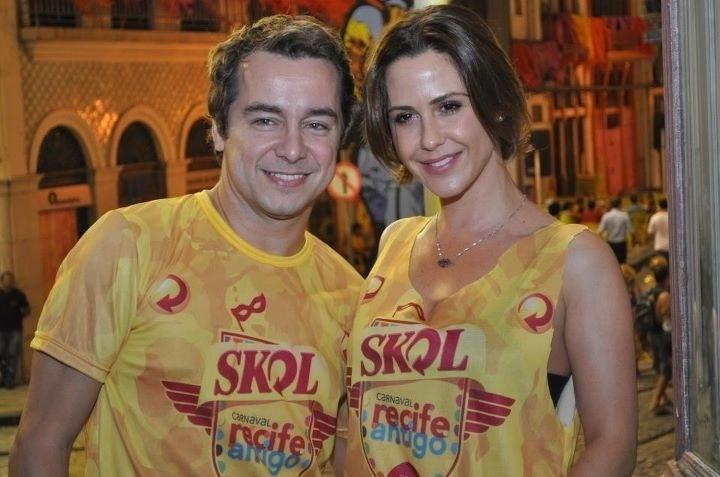 Carlos Vieira e Guilhermina Guinle na abertura do Carnaval de Recife (14/2/12)