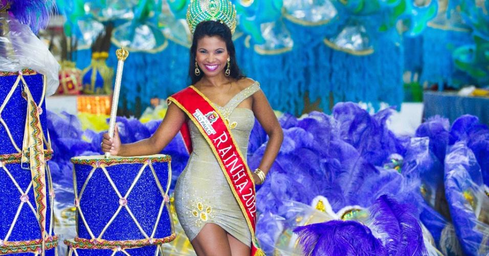Durante ensaio fotográfico para o UOL, a rainha do Carnaval paulista e