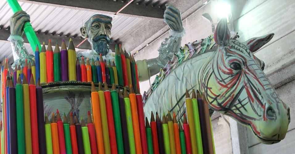 O lado ilustrador de Portinari também terá destaque na Mocidade com uma alegoria que leva o cavalo de Dom Quixote com rabiscos de lápis de cor e giz de cera. Portinari foi convidado para ilustrar uma versão de Dom Quixote de La Mancha, livro de poesia escrito por Carlos Drummond de Andrade (10/2/12)
