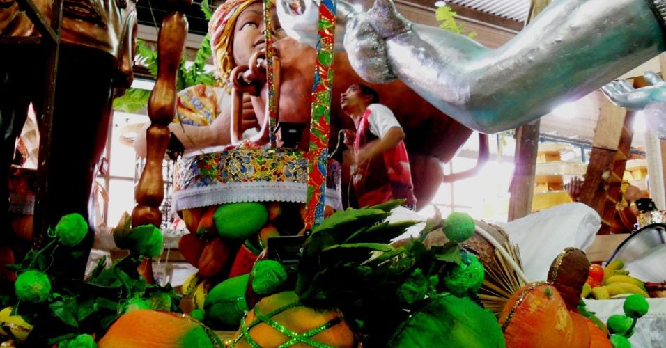 O desfile da Imperatriz vai levar para a Avenida o Pelourinho com uma réplica da Casa de Jorge Amado, em Salvador, e as manifestações culturais que existem como a capoeira e o olodum (13/2/12)