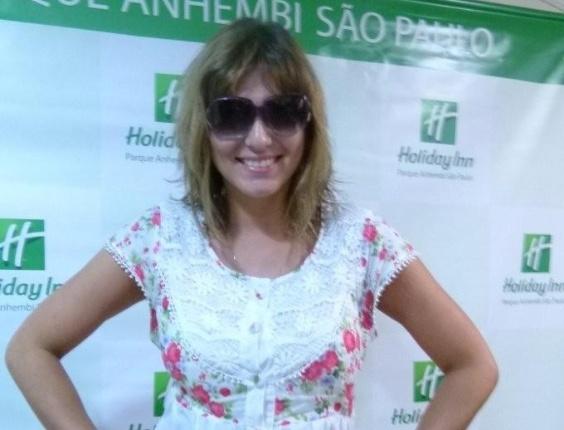 Livia Andrade chega ao Holliday Inn para o desfile das escolas de samba de São Paulo (17/2/12)