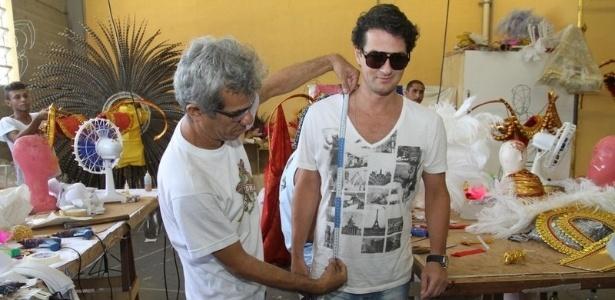 O ator Marcelo Serrado, que interpreta o mordomo Crô em