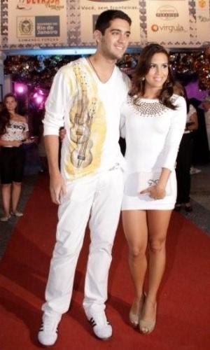 O casal Miguel Rômulo e Pérola Faria também prestigiaram o Baile Oficial de Carnaval da cidade do Rio de Janeiro (16/02/2012)