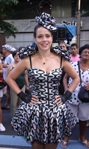 A fantasia de Leandra Leal foi inspirada no calçadão de Copacabana (18/2/12)
