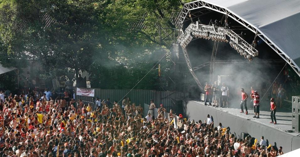 Bonde do Tigrão se apresenta no Espaço Folia durante o Carnaval de Ouro Preto (18/2/12)