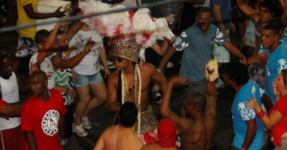 Carlinhos Brown no Projeto Especial: Carlinhos, no Circuito Barra/Ondina, nesta sexta-feira (17/2/12)