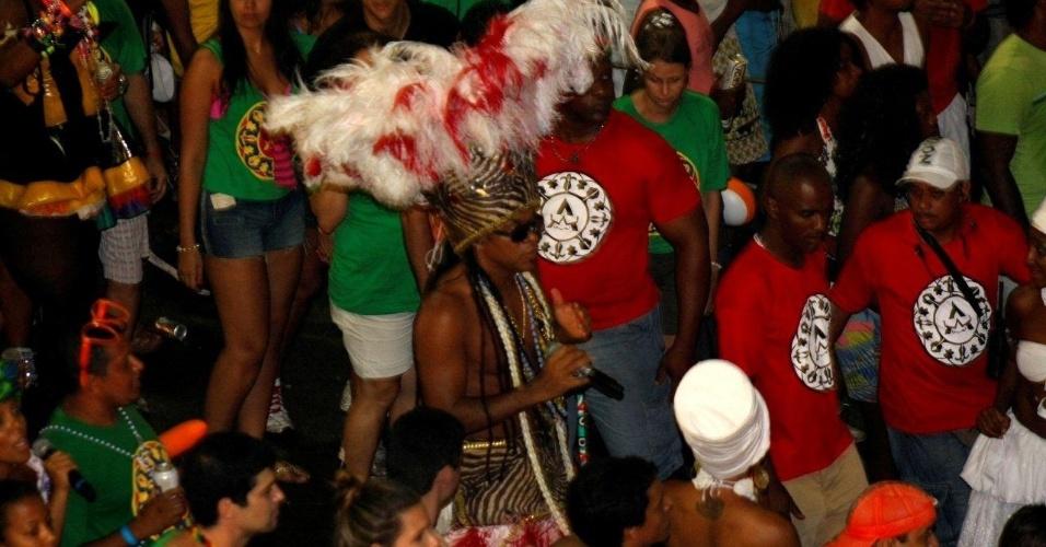 Carlinhos Brown se apresentou no Projeto Especial: Carlinhos, no Circuito Barra/Ondina, nesta sexta-feira (17/2/12)