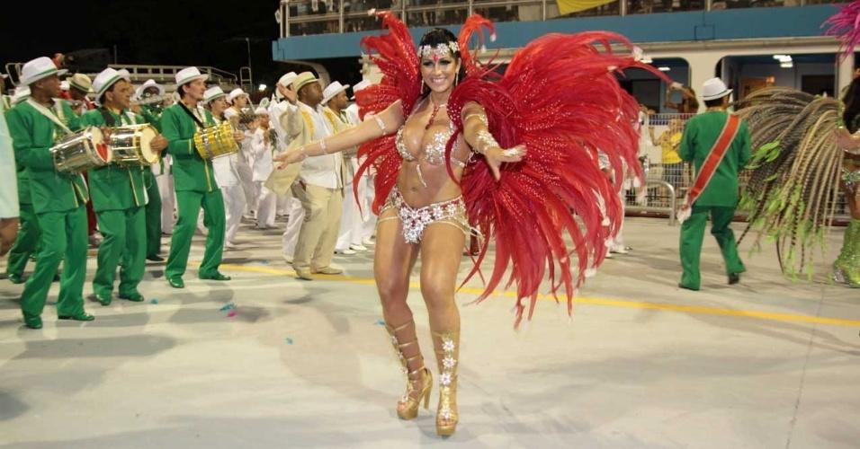 Mulher Moranguinho no desfile da Camisa Verde e Branco no Anhembi, em São Paulo (17/2/12)