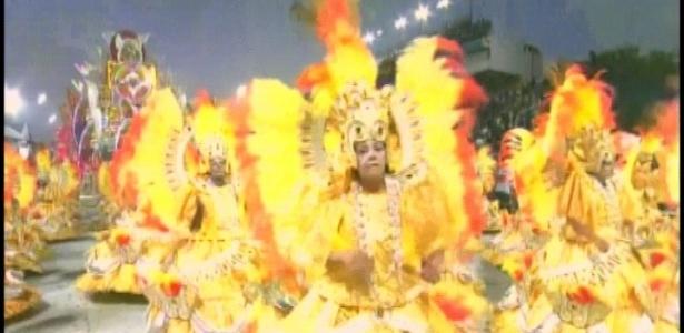 A ala das baianas da Tom Maior vem com o figurino mais caro do desfile (19/2/2012)
