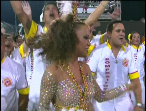 A atriz Leilah Moreno veio desfilar pela Tom Maior em SP (19/2/2012)