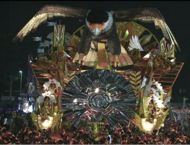 Carro de abre alas da Gaviões da Fiel, que apresenta enredo sobre Lula (19/2/2012)