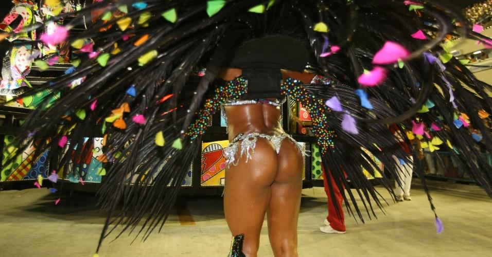 Andrea Machado, destaque de chão da Renascer de Jacarepaguá samba na Sapucaí, no Rio (19/2/12)
