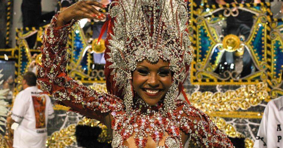 Gaviões da Fiel desfila enredo com trajetória do ex-presidente Lula (19/2/2012)
