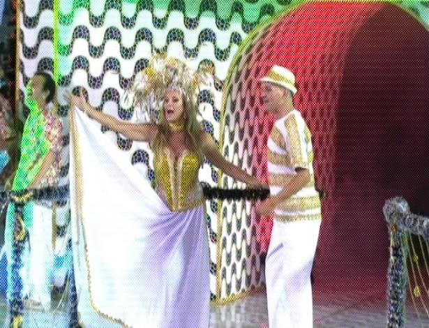 Helô Pinheiro, a garota de Ipanema, é destaque da escola de samba paulistana Águia de Ouro